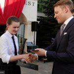 z24723386V,Ela-Kaczorowska-odbiera-zloty-medal--Diligentiae-
